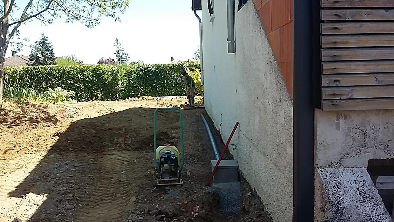 Gravier Autour De La Maison rénovation de jardin à pibrac - brin de nature